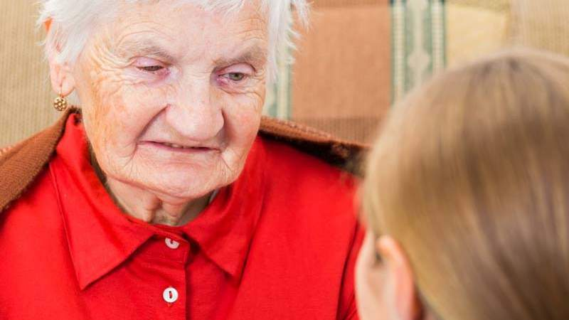 Caring for a Parent With Alzheimer's Disease